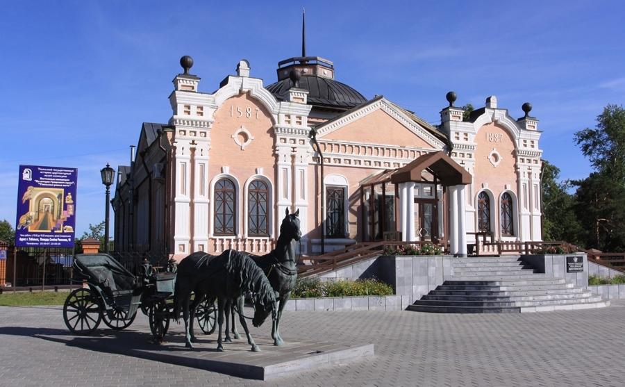Ворота для промышленных зданий в Тобольске